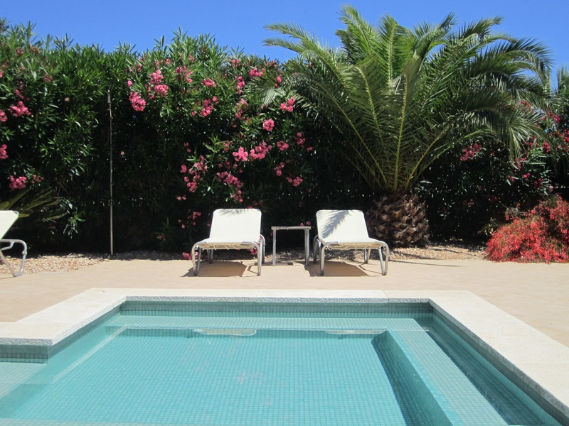 Heated pool with seating/childrens area